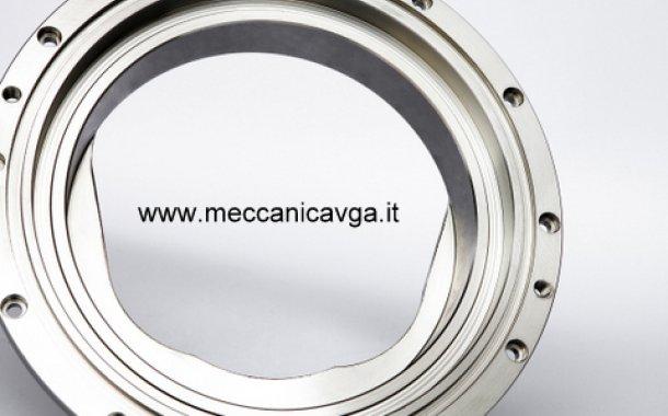 Lavorazioni meccaniche settore alimentare: flangia di adattamento emulsionante